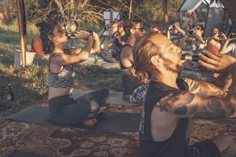 Bier Yoga2.jpg